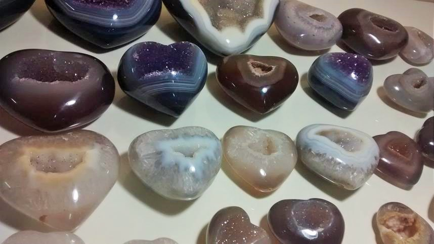 Stones from Uruguay - Polished Agate Heart with Druzy