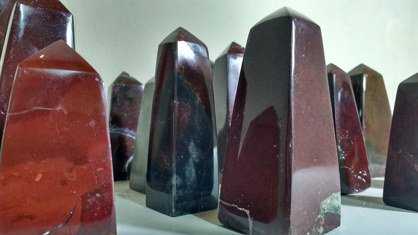 Stones from Uruguay - Pampa Red Jasper Obelisk for Decoration