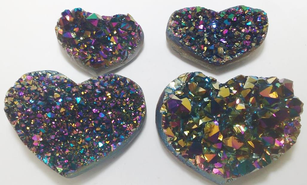 Stones from Uruguay - Green Rainbow Titanium Aura Ametthyst Druzy Heart for Decoration