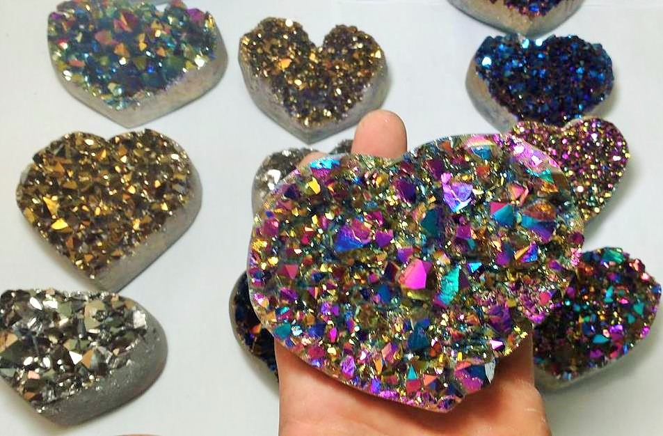Stones from Uruguay - Rainbow Aura Quartz Amethyst Druzy Heart Titanium  for Holiday Decoration and Gift
