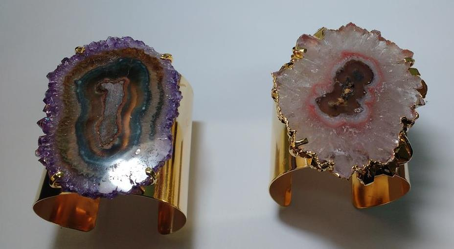 Stones from Uruguay - Amethyst Stalactite Cuff Bracelet with 1 Stalactite, Quality A, 50-80mm,Gold Plated