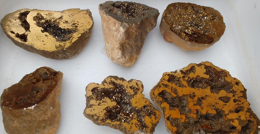 Stones from Uruguay - Old Gold Moroccan Geode for Decoration and Meditation