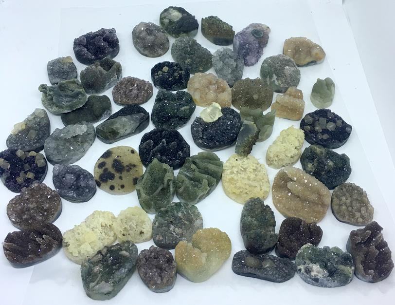 Stones from Uruguay - Special Druzy Free From   for  Jewelries